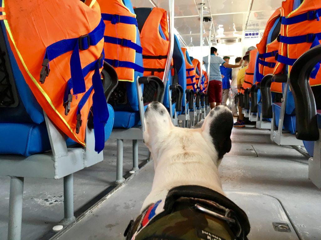 A bord du ferry entre Sihanoukville et Koh Rong